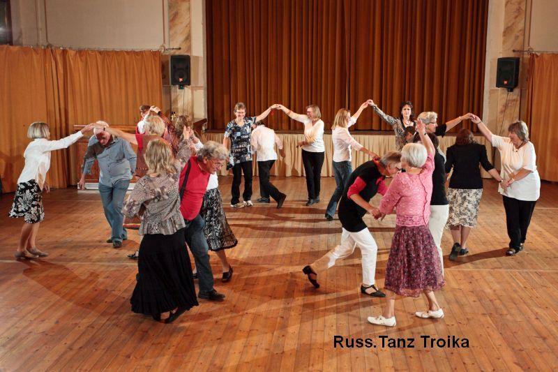 Russ. Tanz Troika der Volkstanzgruppe des LabSaal Berlin Lübars