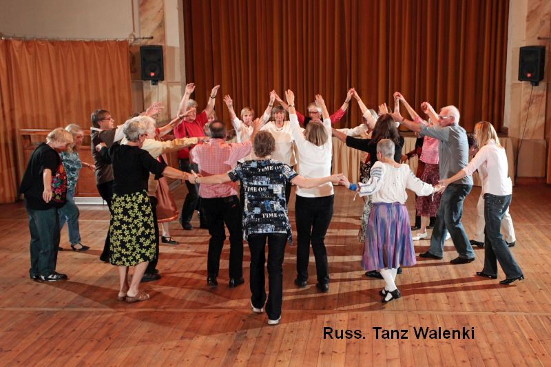 Russ. Tanz Walenki der Volkstanzgruppe des LabSaal Berlin Lübars