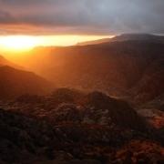 Bergige Landschaft mit Sonnenuntergang, Fotografie von Dieter Kirsch