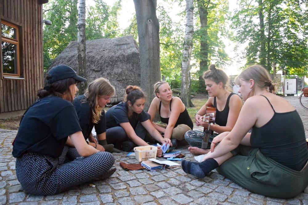 Singerunde des LAbSaal MädchenFahrtenBund